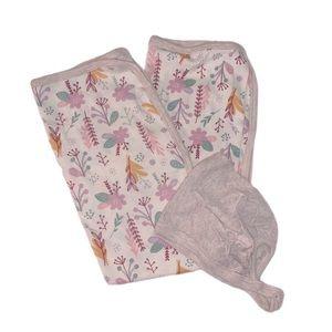 Oatmeal Floral Blanket & Matching Bonnet